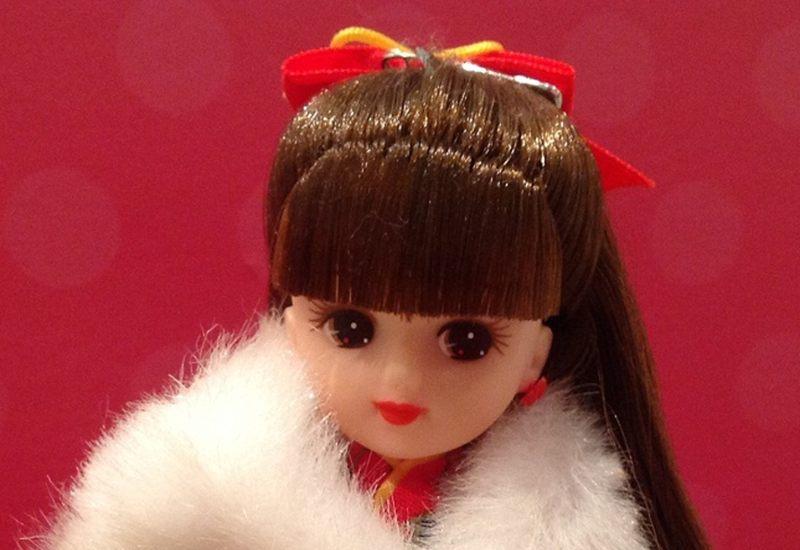 子供の頃、見知らぬ少女に人形で殴られた。30年後、トンでもない事実が判明。腰を抜かすかと思った。